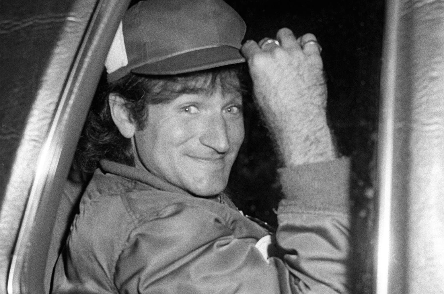 Robin-Williams-car-1979-billboard-1548